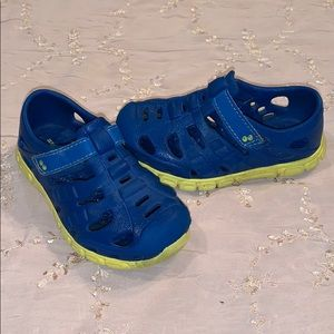 Surprize by Stride Rite Water Shoes